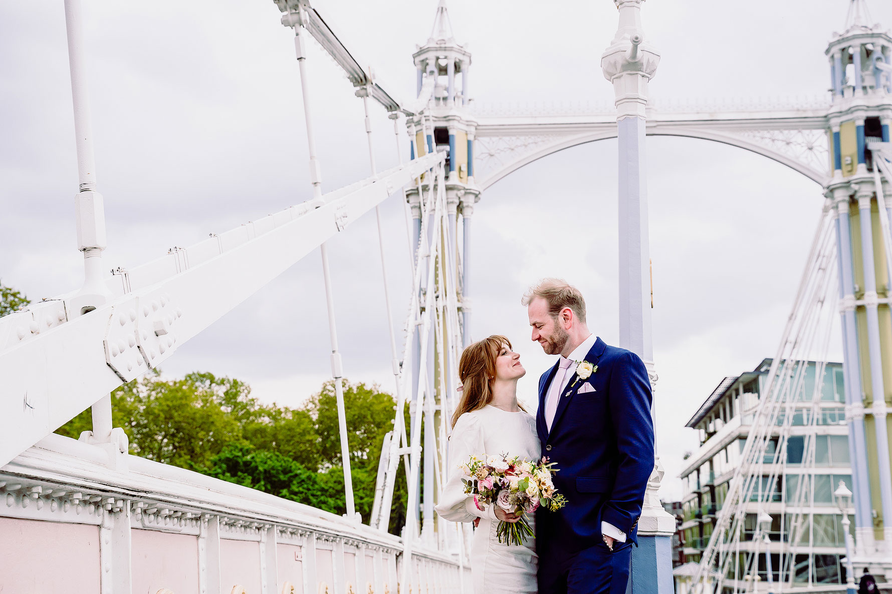 wedding photography on Putney Bridge