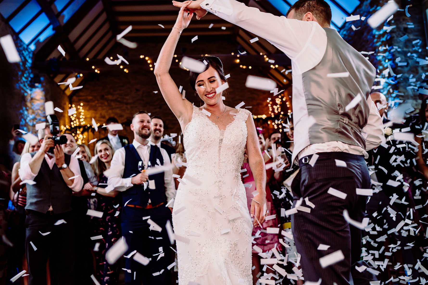 the great barn wedding photography by elliot w patching