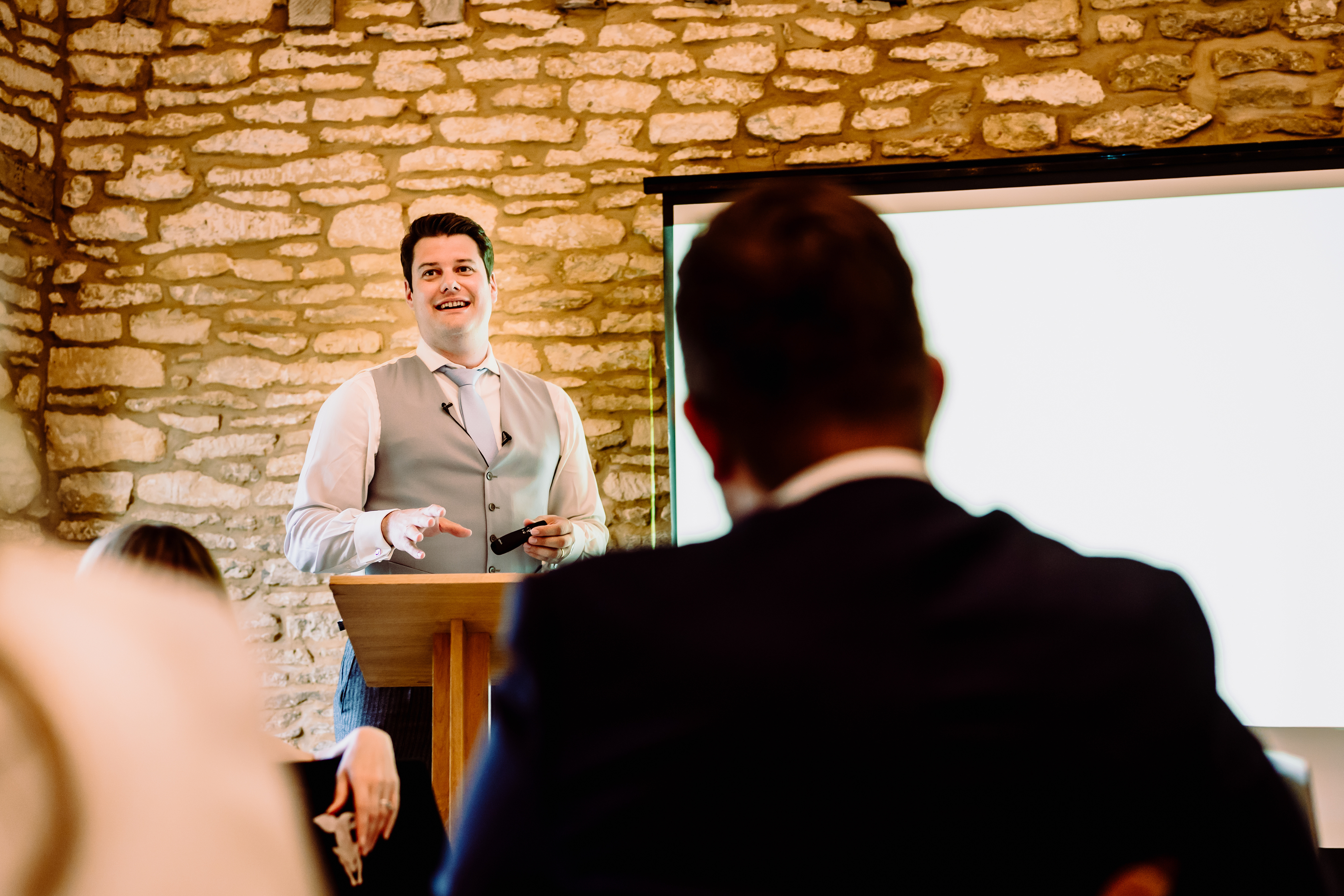 a bestman delivering his speech