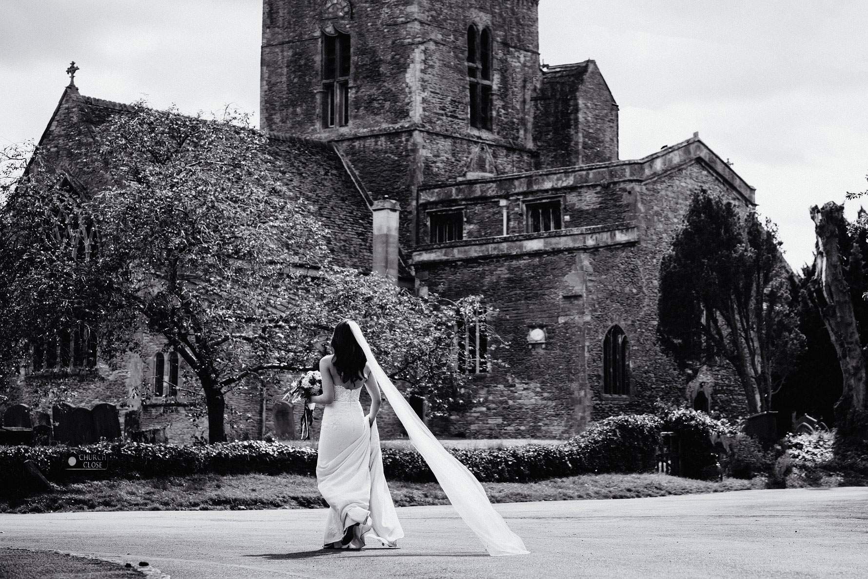 a documentary image of a bride