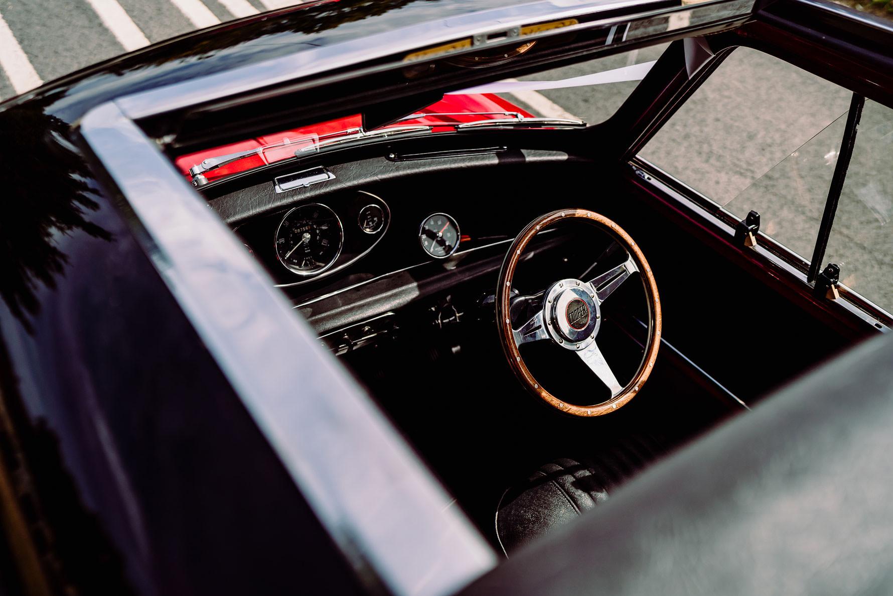 mini cooper steering wheel detail